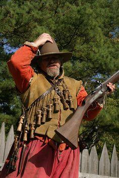 Interpreter with matchlock musket at Jamestown Settlement in Jamestown, Virginia Jamestown 1607, Conquest Of Mythodea, Black Powder Guns, Thirty Years' War, Landsknecht, Colonial America, Mystery Of History, Modern Warfare, American Revolution