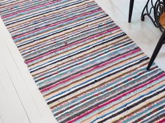 Tear, Recycled Fabric, Woven Rug, Old Houses, Cribs, Hand Weaving, House Styles, Interior, Home Decor