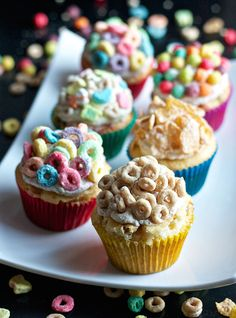 22 Amazing Cereal Desserts That Will Blow Your Family's Minds Breakfast Cereal Cupcakes Whether your little one is a Frosted Flakes- or Fruit Loops-lover, they can create their favorite cupcake yet. Breakfast Cupcakes, Breakfast Cereal, Yummy Cupcakes, Paleo Breakfast, Breakfast Nook, Cupcake Flavors, Cupcake Recipes, Cupcake Cakes, Dessert Recipes