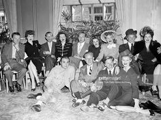 Gathered for a press conference at the Hotel St Moritz are stars of the Hollywood War Bond Cavalcade headed by James Cagney who made appearances at. Vintage Movie Stars, Classic Movie Stars, Classic Movies, Vintage Movies, Old Hollywood Glamour, Vintage Hollywood, Hollywood Stars, Classic Hollywood, Harpo Marx