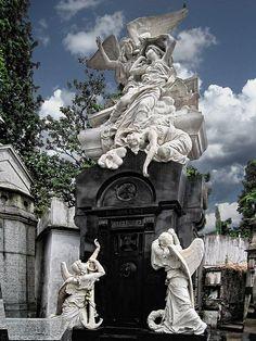 La Recoleta Cemetery in Buenos Aires, Argentina. Visit Argentina, Argentina Travel, Cemetery Monuments, Cemetery Art, Central America, South America, Recoleta Cemetery, Scenic Photography, Landscape Photography