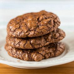 Chocolate Truffle Cookies via Brown Eyed Baker Flynn Flynn (Brown Eyed Baker) Chocolate Truffle Cookies Recipe, Chocolate Biscuits, Chocolate Truffles, Chocolate Flavors, Chocolate Recipes, Chocolate Chips, Chocolate Powder, Cookie Desserts, Just Desserts