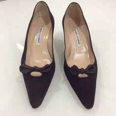 Manolo Blahnik kitten heels Beautiful brown suede kitten heels. Features beautiful croc bows. In the excellent condition. Manolo Blahnik Shoes