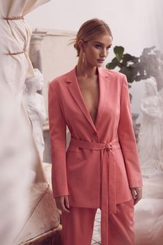 Zoey Grossman for BCBGMAXAZRIA Spring Summer 2019 Campaign with Rosie Huntington-Whiteley Source by Fasheditorials outfits spring Suit Fashion, Fashion Outfits, Womens Fashion, Fashion Tips, Fashion Trends, Fashion 2018, Stylish Outfits, Cool Outfits, Business Professional Women