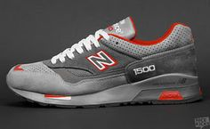 New Balance 1500.  Nice to see a  little tasteful use of color in these