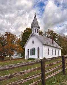 The County Church - This is exactly the type of Church I want to Join and Worship GOD in... and be with my fellow Christians. EXACTLY.