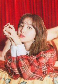 Kpop Girl Groups, Korean Girl Groups, Kpop Girls, Sana Minatozaki, Nayeon Twice, Im Nayeon, Dahyun, Hirai Momo, Cute Little Things