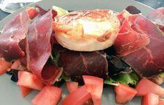 Ensalada de cecina y queso de cabra, combinaciòn que no falla y vinagreta con La Boella.