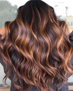 Fall Color Trend: 55 Warm Balayage Looks – Haircolor brownhairwithhighlights Fall Hair Color For Brunettes, Fall Hair Colors, Brown Hair Balayage, Hair Color Balayage, Haircolor, Fall Balayage, Brown Hair With Copper Highlights, Copper Balayage Brunette, Auburn Highlights