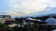 Si deseas disfrutar de la ciencia de la manera más didáctica y entretenida entonces no puedes dejar de visitar el Parque Explora de Medellín. Ven aprende y llénate de conocimientos con el Acuario más grande de Suramérica, sorpréndete con una experiencia en la que no importa la edad solo hace falta que desees una vivencia única sana e incomparable.
