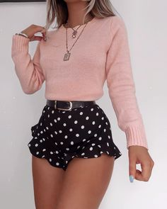 Discovered by aortizgimenez. Find images and videos about fashion, outfits and moda on We Heart It - the app to get lost in what you love. Glamouröse Outfits, Girly Outfits, Pretty Outfits, Fashion Outfits, Flannel Outfits, Hipster Outfits, Fashion Hacks, Fashion Quotes, Office Outfits
