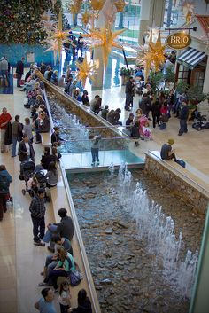 Millenia Mall, full of great shopping and tasty restaurants! Orlando via Flickr #SAOrlando | See Art Orlando
