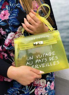 Tasche 'Nothing To Hide' in Gelb Hermes, App, Handbags, Fashion, Travel, Yellow Handbag, Hand Bags, Woman, Moda
