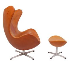 Early and Original Egg Chair and Ottoman by Arne Jacobsen   1stdibs.com