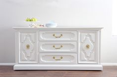 Console painted with White Dove from Benjamin Moore. 16 Favorite Furniture Paint Colors