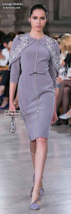 Georges Hobeika Fall 2016 Haute Couture fashions combine elegant simplicity and lines with creative, expert level couture beaded embroidery. Georges Hobeika, Moda Fashion, Runway Fashion, High Fashion, Womens Fashion, Fashion 2014, Fall Fashion, Haute Couture Fashion, Couture Outfits