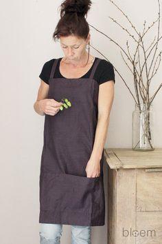 Linen apron in Plum, Pinafore apron, Cross back, Natural linen, Eco friendly