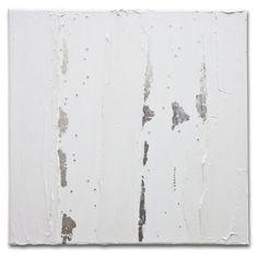 Este é um trabalho feito pela artista Mel Gama.  Um quadro minimalista e de beleza única - todo em branco com folhas de prata e cristais swarovski.  TÍTULO: Carnaval DIMENSÕES: 50 x 50 x 3cm (Tela em 3D) MÉDIUM: Acrílico  As laterais também são pintadas e chegarão prontos para exibição.  A simulação da decoração pode não estar com escala correta - é somente para se ter uma ideia.  Todas minhas pinturas são originais. São criados por mim a partir de uma tela em branco em meu próprio estúdio…