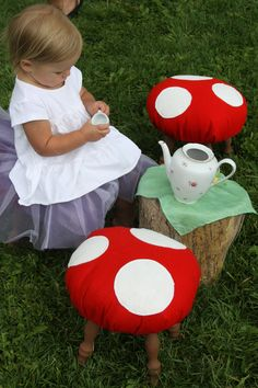 what cute diy toadstools!