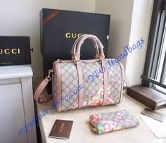 Add your wardrobe with the Gucci Blooms GG Supreme Boston Bag in Pink Leather Trim.  Online sale at wholesale price- USD 303.  Free International Shipping.