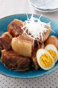 甘辛味のとろけるような柔らかさの豚肉が絶品! かたまり肉を切ってから下ゆですれば、調理時間を短くできます。