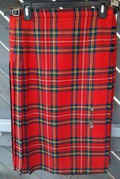 Traditional Red Scottish tartan Vintage wool by SunDazeVintage, €14.99
