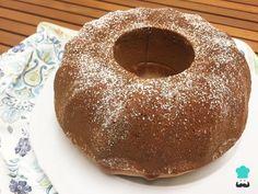 ¡Un queque apto para principiantes! De fácil elaboración y suave sabor, este queque rápido encantará a todo aquel que lo pruebe. Le Chef, Sin Gluten, Doughnut, Cake Recipes, Pudding, Cupcakes, Breakfast, Food, Gastronomia