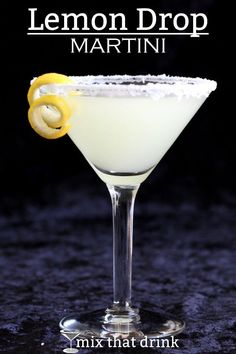 The Lemon Drop Martini is an well-loved classic. It's sweet and tangy enough to hide the alcohol, and actually tastes very much like lemon drop candy. This easy recipe is a great choice for occasional drinkers. Body Cleanse Drink, Best Body Cleanse, Natural Body Cleanse, Cleanse Diet, Lemon Drop Martini, Pina Colada, Aperitif Cocktails, Martini Mix, Martinis