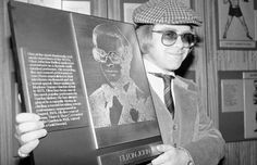 On October 1, 1977 Elton was inducted into the Madison Square Garden Hall of Fame. He was, at the time, the first person not affiliated with sports to be so honoured.