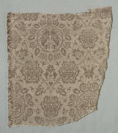 Silk Fragment, 1375-1399  Italy, last quarter of the 14th century  lampas weave, silk, Overall - h:28.00 w:25.70 cm (h:11 w:10 1/16 inches). Purchase from the J. H. Wade Fund 1941.391