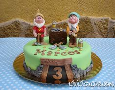 "Tarta ""los enanitos trabajando en la mina"" - The Dwarfs working in the mine cake - Snow White and the seven dwarfs cake - Tarta Blancanieves y los 7 enanitos"