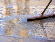 Quem tem animal de estimação precisa manter a casa muito bem limpa para evitar que o cheiro dos bichinhos impregne a casa. As dicas são simples e fáceis de fazer! DICA 1: PANO DE CHÃO Tenha panos de limpeza específicos para os animais. NÃOlimpe a …