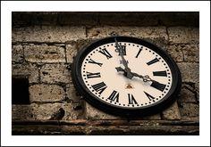 Reloj de la torre de la iglesia de Pampliega (Burgos)