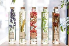 Would love to do this with lavender fern leaves baby's breath. So pretty crisp and clean. Co Trip, Home Spray, Aesthetic Body, Perfume, Natural Baby, Bottle Design, Green Flowers, Diy Beauty, Planting Flowers