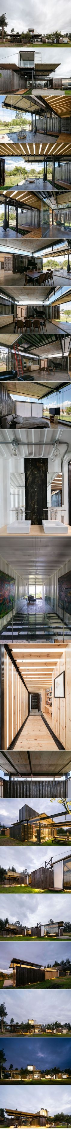 Explore this Shipping Container House by Daniel Moreno Flores & Sebastian Calero in 3D Virtual Reality | HomeDSGN