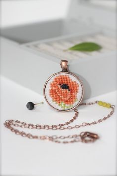 Hand embroidered vintage Poppy Necklace Flower от byKALYNKA