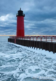Milwaukee Pierhead Lighthouse ~ ever so lovely.just a few feet from where I worked. Lake Michigan, Wisconsin, Harbor Town, Harbor Park, Famous Lighthouses, Great Lakes, Milwaukee, Places To See, Landscape Photography