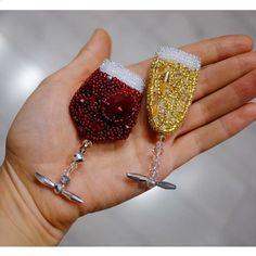 Автор @gerasimova_beads 〰〰〰〰〰〰〰〰〰〰〰〰〰〰 По всем вопросам обращайтесь к авторам изделий!!! #ручнаяработа #брошьизбисера #брошьручнойработы #вышивкабисером #мастер #бисер #handmade_prostor #handmadejewelry #brooch #beads #crystal #embroidery #swarovskicrystals #swarovski #купитьброшь #украшенияручнойработы #handmade #handemroidery #брошь #кольеручнойработы #кольеизбисера #браслеты #браслетручнойработы #сутажныеукрашения #сутаж #шибори #полимернаяглина #украшенияизполимернойглины
