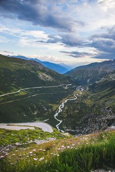 A view from the Furka Pass down into the valley where Gletsch lays.
