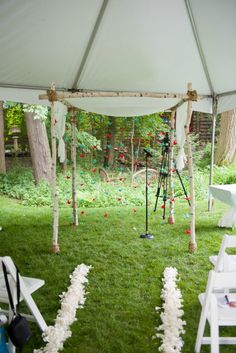 #DIY chuppah from a #backyard #JewishWedding http://www.themodernjewishwedding.com/backyard-modern-jewish-wedding-from-brian-morrison-photography/