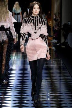 Balmain Autumn/Winter 2016-17 Ready-To-Wear Paris Fashion Week