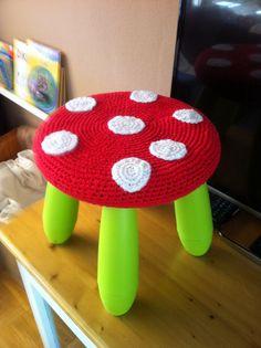 Paddestoel gehaakte hoes voor Ikea krukje