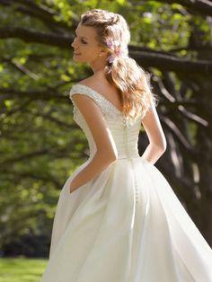 Corte a escote en v hasta la tibia tafetán vestido boda con bordado