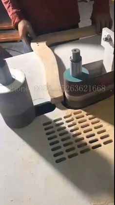 Easy Small Wood Projects, Scrap Wood Projects, Woodworking Projects That Sell, Learn Woodworking, Woodworking Workshop, Woodworking Techniques, Cnc Wood Lathe, Wood Planer, Wood Axe