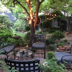 patio y jardin;patio ideas on a budget; Small Outdoor Spaces, Outdoor Seating Areas, Garden Seating, Small Patio, Patio Seating, Small Gardens, Outdoor Gardens, Outdoor Patios, Outdoor Rooms