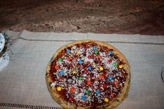 Gluten free chocolate chip pizza! Looks yummy and pretty easy to make :)