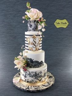 The Chic Technique: Black, White and Gold French-Inspired Wedding Cake - Cake Studio Amazing Wedding Cakes, Elegant Wedding Cakes, Elegant Cakes, Wedding Cake Designs, Amazing Cakes, Pretty Cakes, Beautiful Cakes, Fondant Cakes, Cupcake Cakes