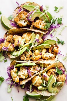 Roasted Cauliflower Tacos Roasted Cauliflower Tacos Lets talk about tacos Specifically these roasted cauliflower tacos with tangy avocado crema Smokey cauliflower topped. Mexican Food Recipes, Whole Food Recipes, Great Recipes, Vegetarian Recipes, Cooking Recipes, Healthy Recipes, Vegetarian Tacos, Vegetarian Dish, Healthy Tacos