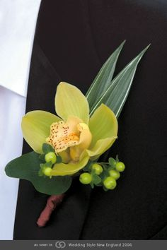 Classic Boutonnieres. @grace_ormande @wedding_style