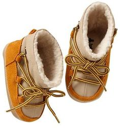 Ski booties - hoping Dude doesn't have feet as tall as they are long like William's.would love to be able to buy cute baby shoes rather than being stuck searching endlessly. Cute Baby Shoes, Cute Baby Clothes, Baby Boy Fashion, Kids Fashion, Toddler Boys, Baby Kids, Cheap Kids Clothes, Fashion Mode, Winter Accessories